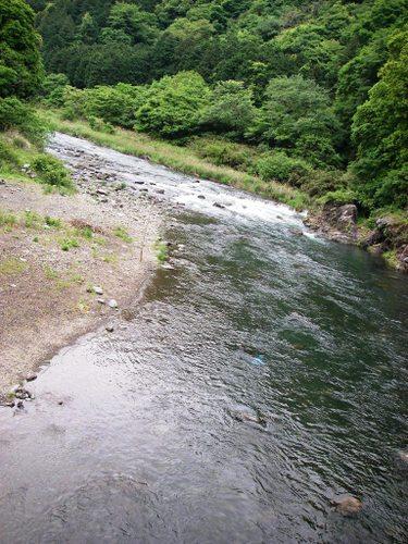 中津川愛川橋上流