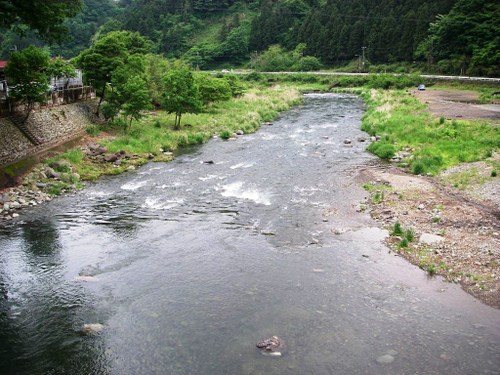 中津川愛川橋下流
